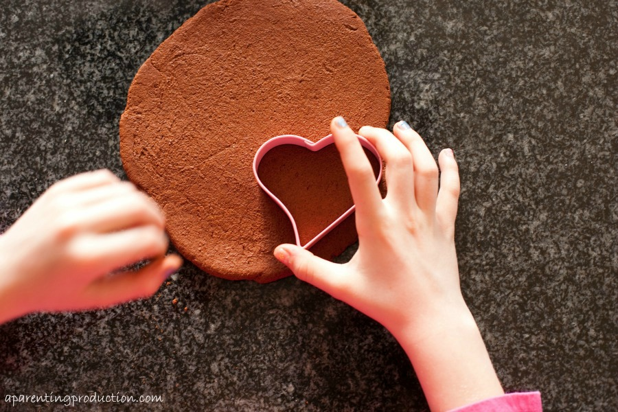 Cinnamon Applesauce Heart Valentine's Day Craft for Kids
