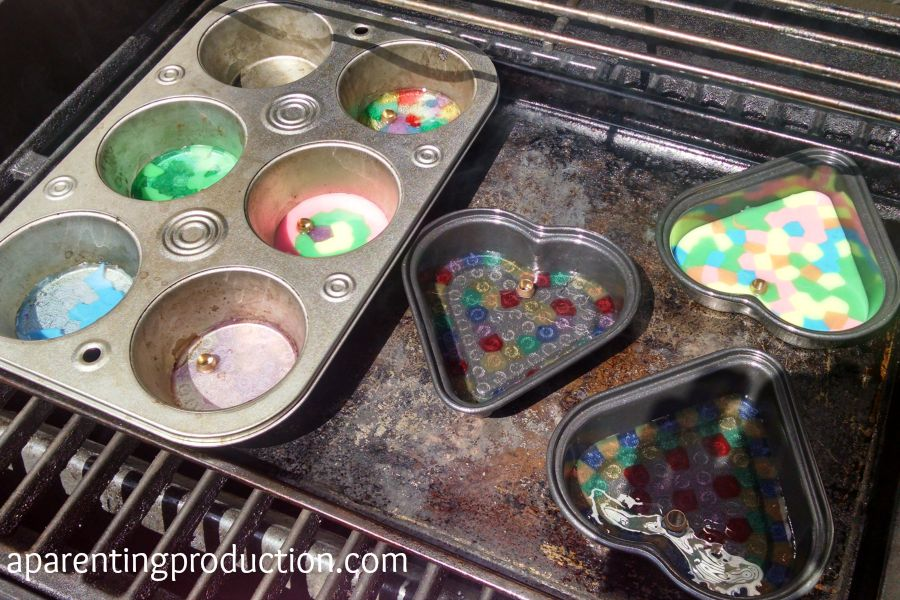 How to make melted bead backpack charms for back to school