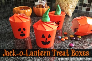 Easy Halloween Jack-O-Lantern Treat Boxes