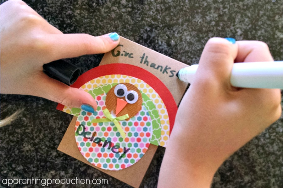 Thanksgiving turkey place cards craft