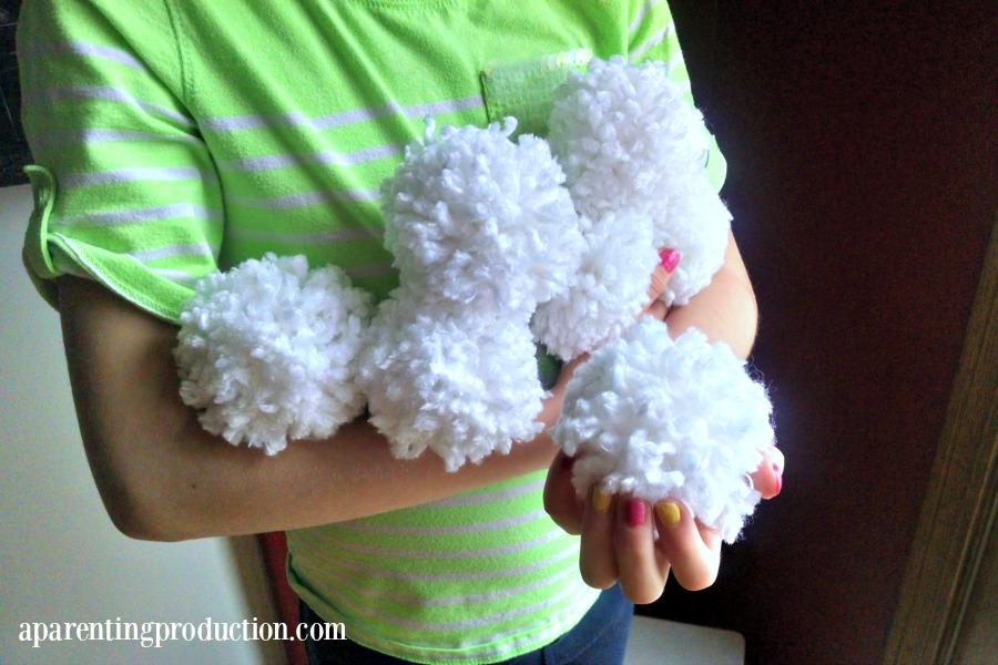 Winter Craft for Kids: DIY Indoor Snowballs