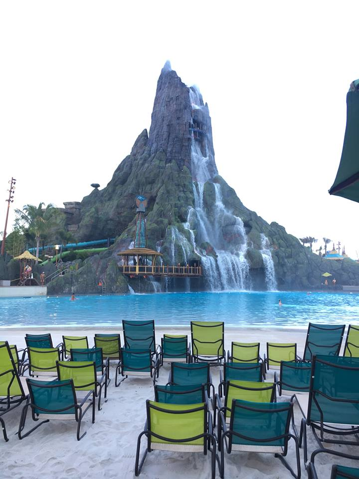 Volcano Bay Main Area - Wave Pool